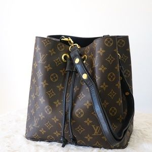 Louis Vuitton 11 x 11 x 8 black neonoe